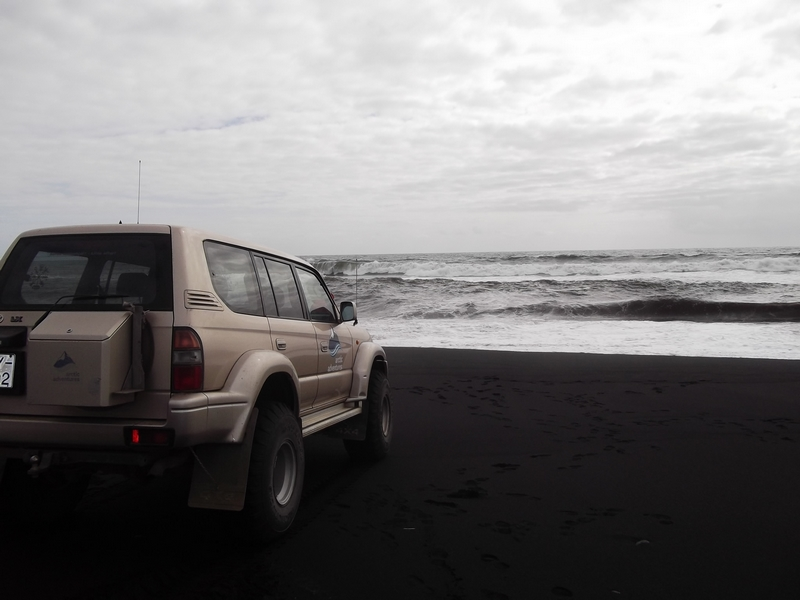 superjeep sable noir islande