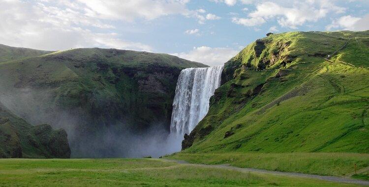 cecile-ailleurs cascade skogafoss sud islande