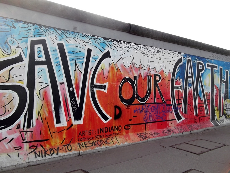 save our earth east side gallery